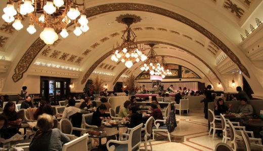 阪急うめだ本店 Grand Cafe&Restaurant シャンデリア テーブル