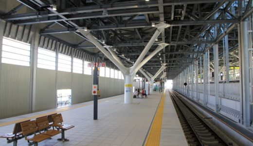 富山駅付近連続立体交差事業ー高架化された「あいの風とやま鉄道線」上り線とJR高山本線の状況