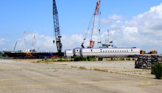 北陸新幹線用W7系が金沢港に続々と陸揚げされています!