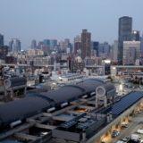 大阪市中央卸売市場本場 業務管理棟『魚河岸たちばな』からみた梅田・中之島方面の眺め