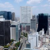 あいおいニッセイ同和損保フェニックスタワーの最上階から見た梅田界隈の眺め