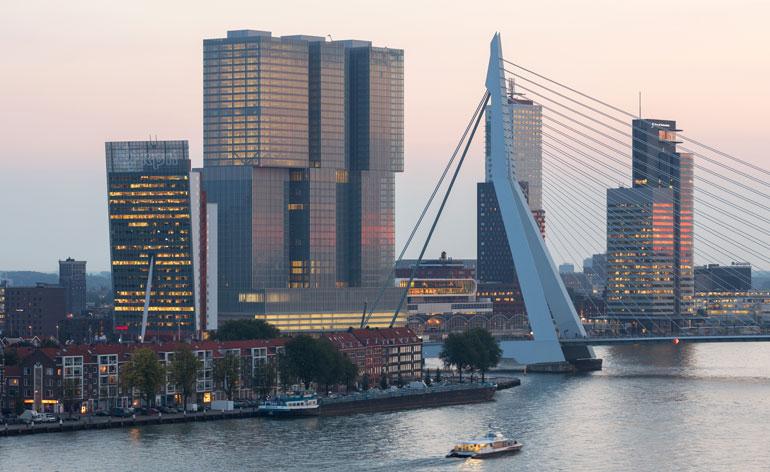 ③1385137171_07_De-Rotterdam_P