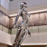心斎橋パルコ12階に空山基氏の立体展示「Sexy Robot_infiniti floating」(セクシーロボット)が登場!まるでコブラのアーマロイド・レディ!?